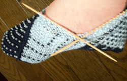 ドミノ編みのスリッパ